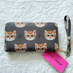 Betsey Johnson Zip Around Wristlet Wallet Gray Cat